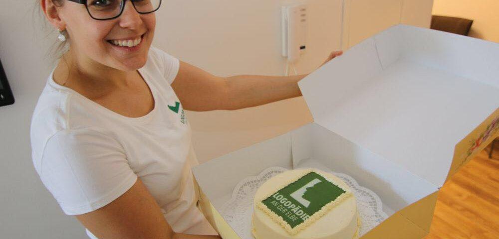 Torte zur Eröffnung der logopädischen Praxis Magdeburg